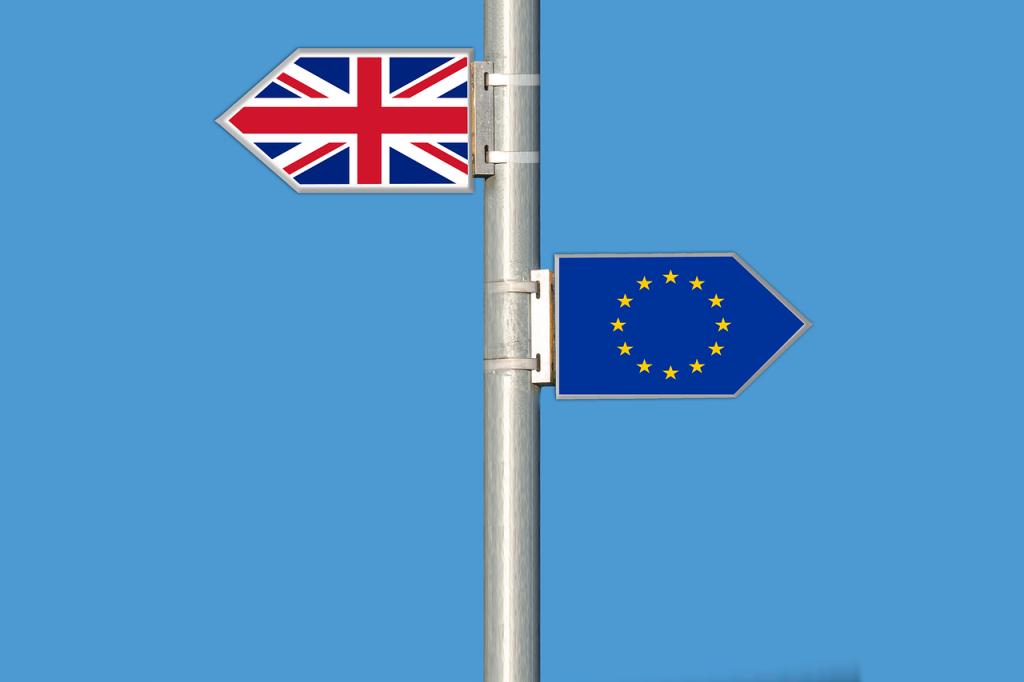 Image Brexit - drapeaux européen et brittanique