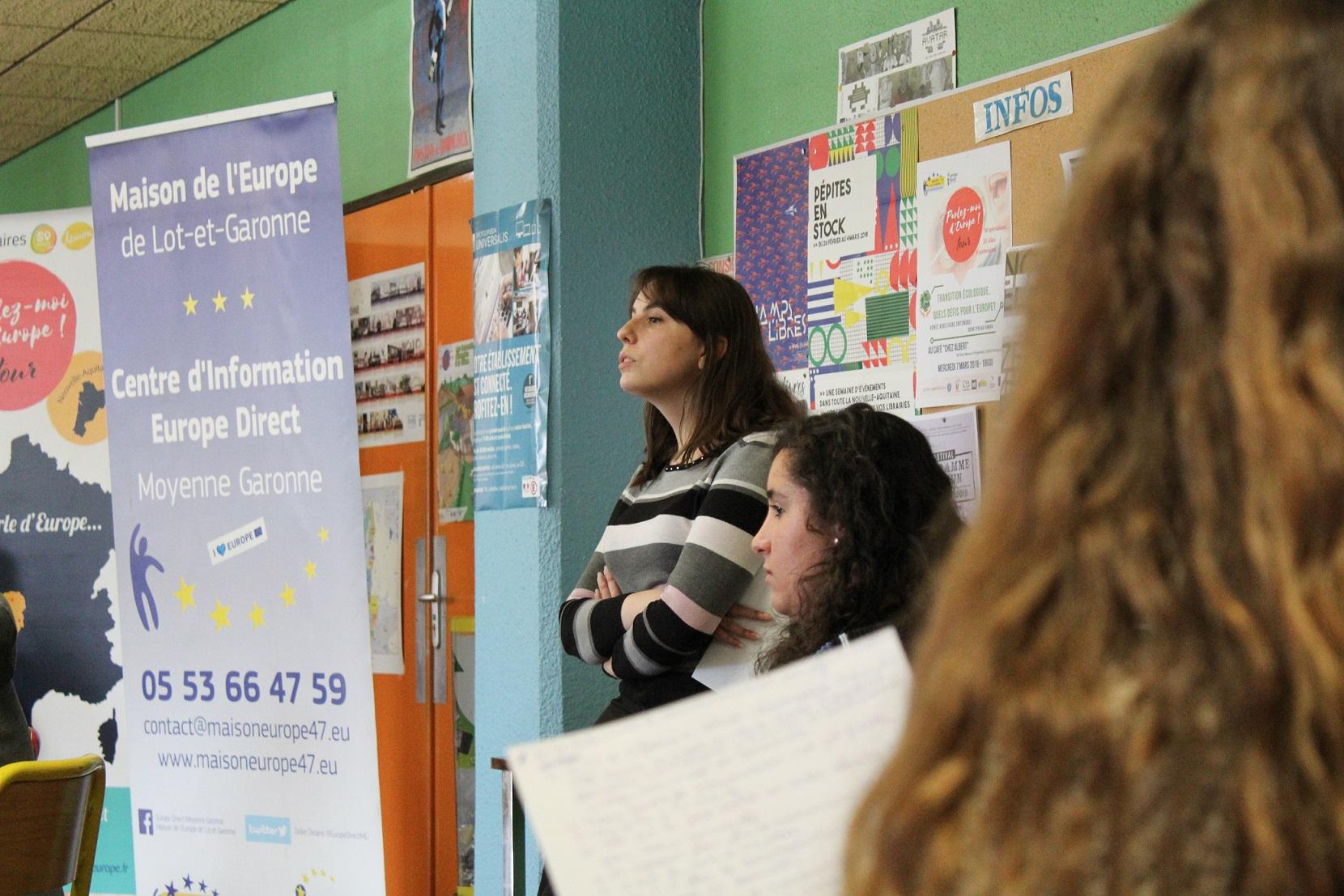 Les intervenants parlent d'Europe aux élèves