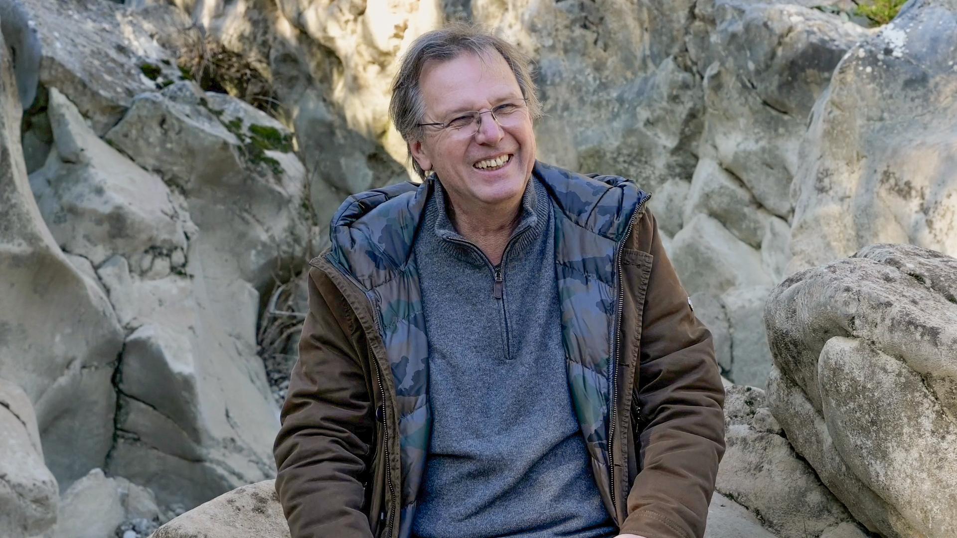 Jürgen Schilling sur les lieux de son inspiration artistique, janvier 2021. © Océanides.